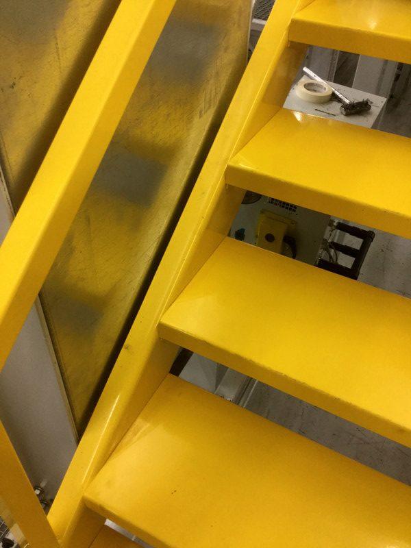 Entresolvloer trap voor verdiepingsvloer
