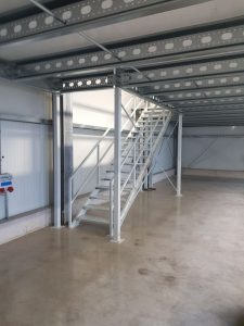 entresolvloer en verdiepingsvloer trappen